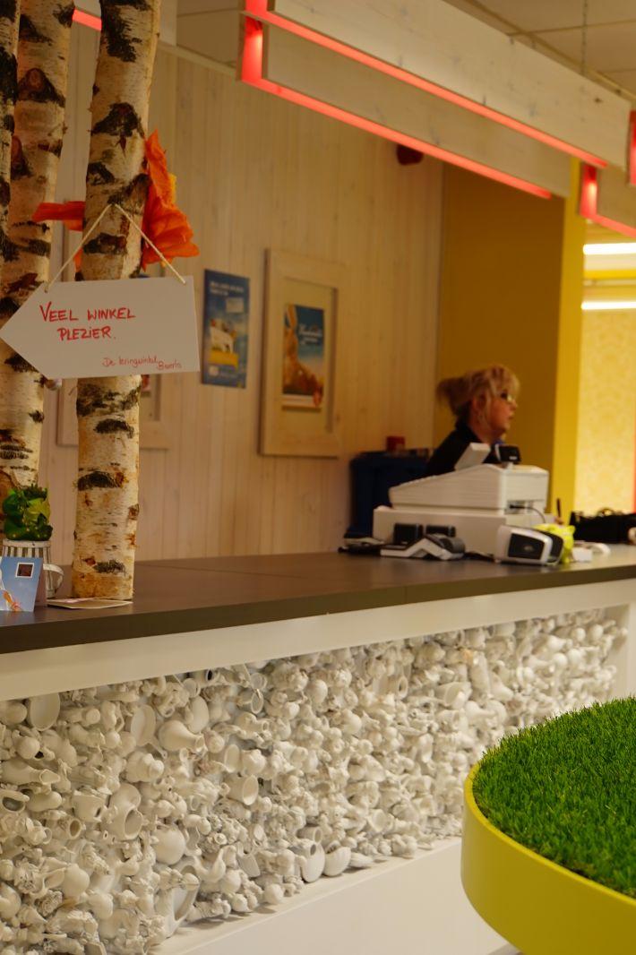 Interieur winkel met uniek concept kringloopwinkel beringen for Interieur winkels