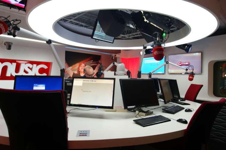 Radiostudio - Qmusic  (1)